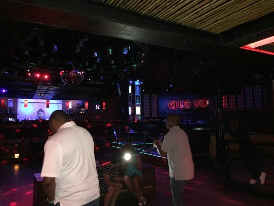 Tantra Night Club & Sanctuary: Tantra binnen 2