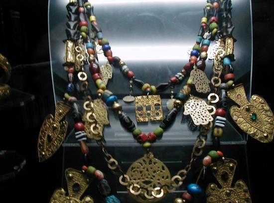 Moknine, Tunesien: Beautiful jewellery