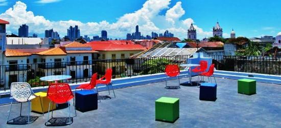 Panamericana Hostel: Roof patio