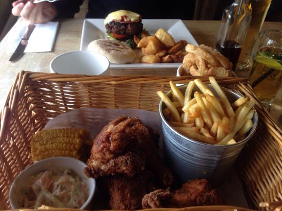 The Beeches Bar & Grill: Chicken in a basket!!