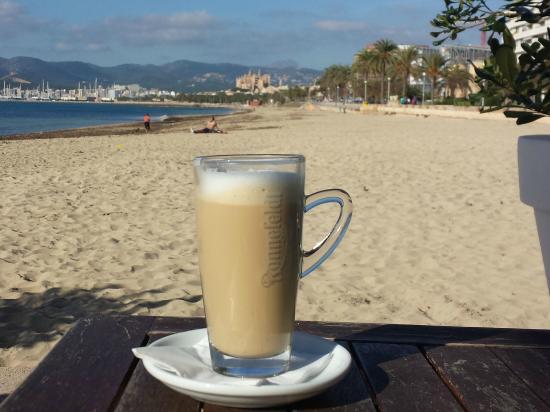 Nassau Beach: Auch einfach nur für einen Latte super!