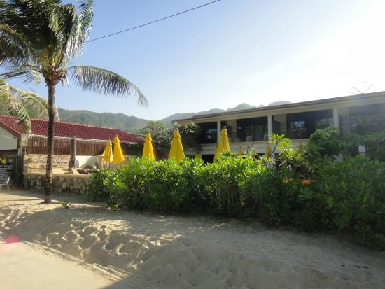 Kamala Beachfront Apartment: View from promenade