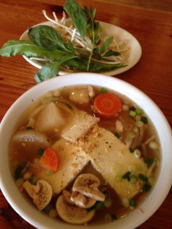 Thuy's Noodle Shop: Vegan noodle soup