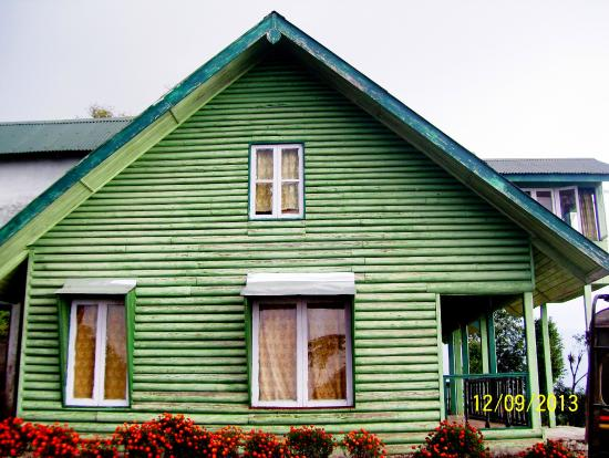 Samsing: WBTDC guest house at Neora valley