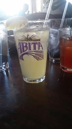 Boudreaux's Louisiana Seafood: Swamp water- ponchartrain beer, vodka and lemonade