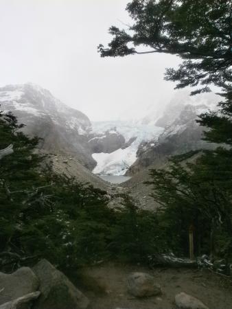 vista del Glaciar Piedras Blancas en un día de neviscada...