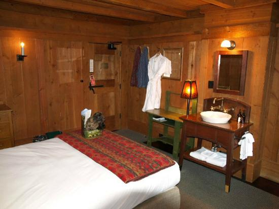 Hotel Rooms In Yellowstone National Park