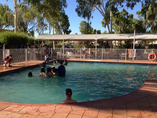 A Swimming Pool Picture Of Outback Pioneer Hotel Lodge Ayers Rock Resort Yulara Tripadvisor