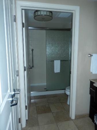 Homewood Suites by Hilton Orlando Airport: Schöne, große Dusche