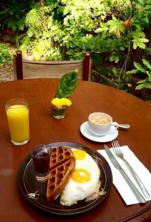 La Tienda Guido's: Champions Breakfast