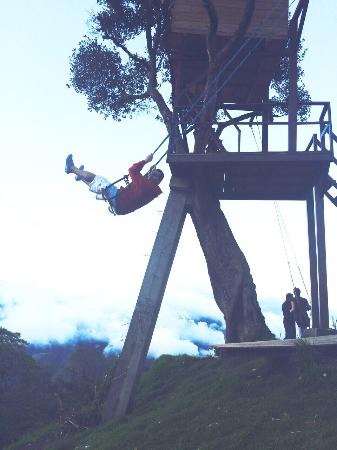 Tungurahua: Love the view from the swing :)
