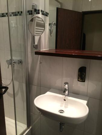 Hotel Aigner: Bad ist klein, aber fein