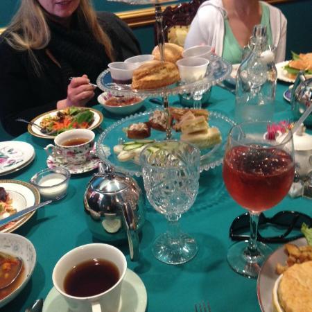 Linde Lane Tea Room: Royal Tea for Two