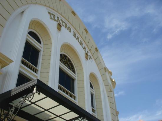 Teatro Baralt: Fachada del teatro