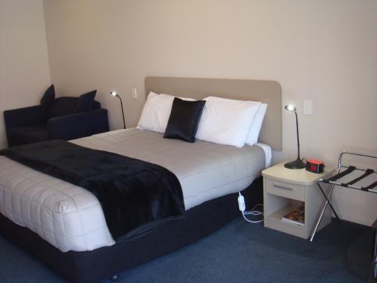 ASURE Scenic Route Motor Lodge: Studio king bed