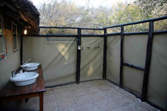 Vundu Camp Bushlife Safaris