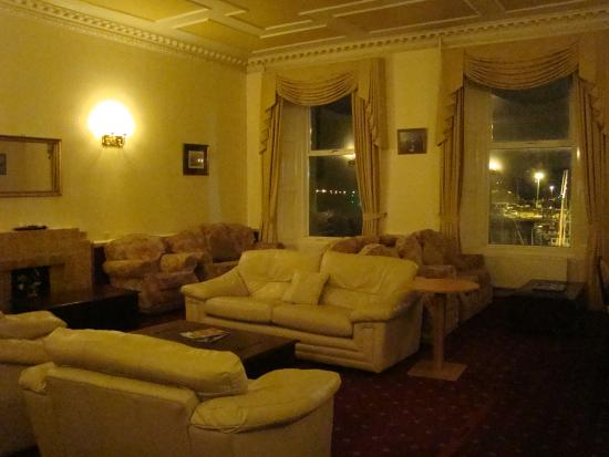 Kirkwall Hotel: A reading room!  YES!