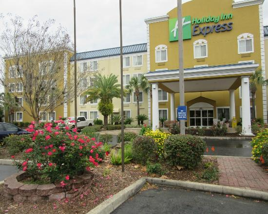 Holiday Inn Express Gainesville/I-75 SW: exterior