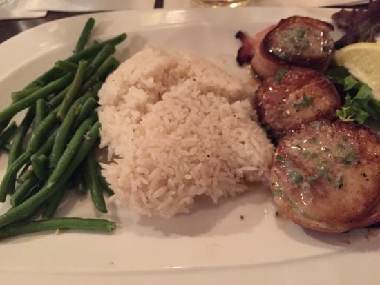Green Leaf Grill : $19 for subpar seafood