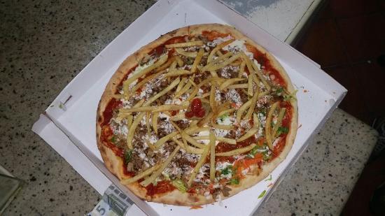 Mounir - Pizzeria & Kebab: Cosa dovrei aggiungere? Pizza kebab al top, la migliore di sempreeeee!