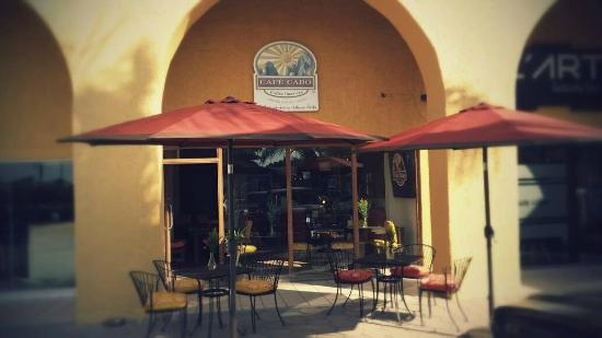 Café Cabo: Plaza Copan across the street from City Club.
