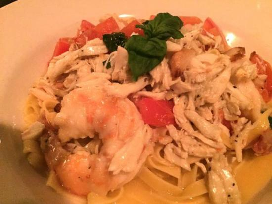 Nove: Shrimp and crab over linguine in white wine sauce