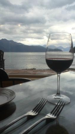 Kenai Fjords Wilderness Lodge: dinner time