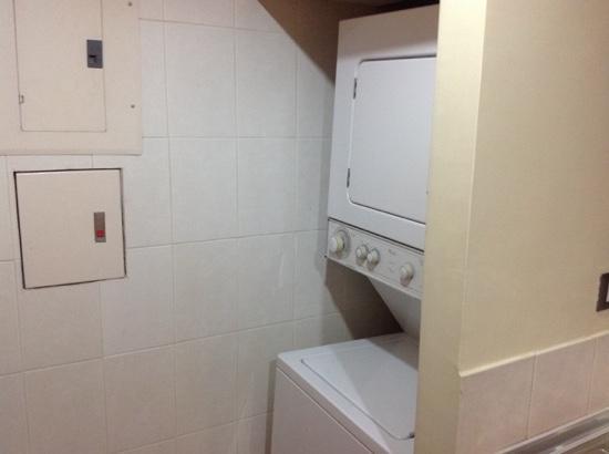 Hotel Howard Johnson Guayaquil: cuenta con centro de lavado