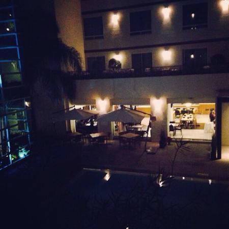Radisson Poliforum Plaza Hotel Leon: Hab con terraza de noche