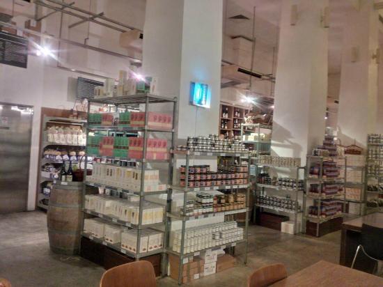 Jones the Grocer : Interior