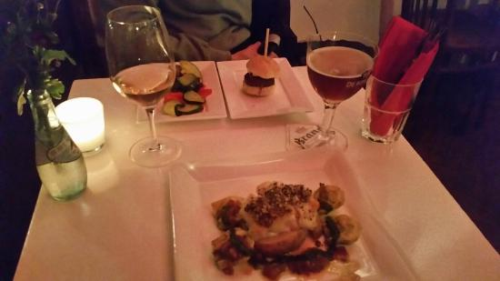 l'Ouest: Cod, courgettes,  slider, wine and beer
