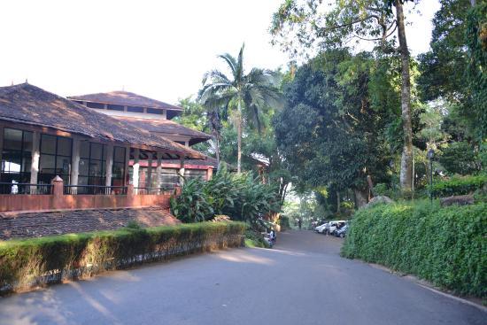 Amaya Hills: Подъезд к отелю