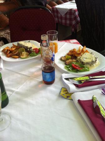 Macedonian 39 alexandria 39 wine picture of tri lipe for Alexandria mediterranean cuisine novi mi