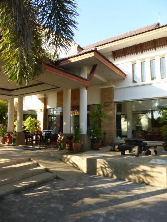 The Ariya Inn entrance