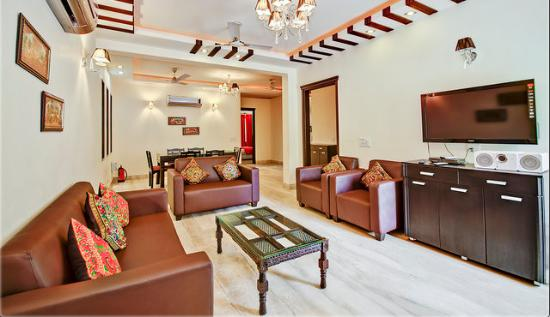 Redleaf Serviced Apartments: The Beautiful Living Room