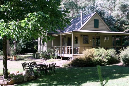 Shady Brook Cottages