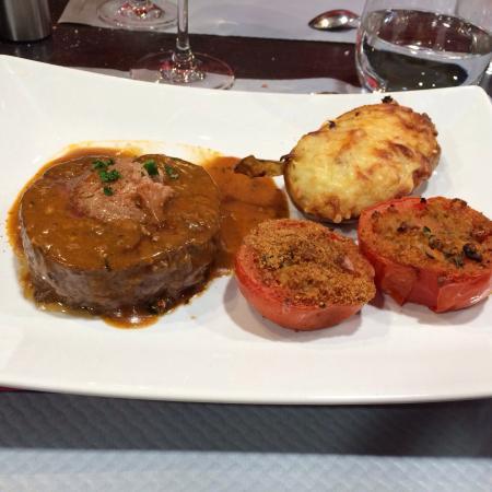 Repas entre coll gues bild von le bouchon louhannais for Repas entre collegues