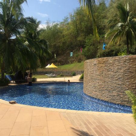 Thumbs Up For The Pool Photo De Camaya Coast Mariveles Tripadvisor