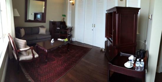 Eastern U0026 Oriental Hotel: Separate Living Room (Deluxe Suite) Part 51