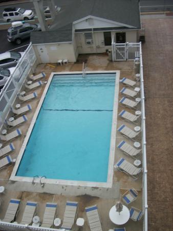 Casablanca Oceanside Inn: pool view