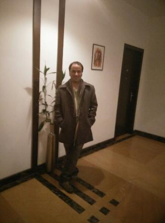 Stately Suites MG Road: Outside my room!