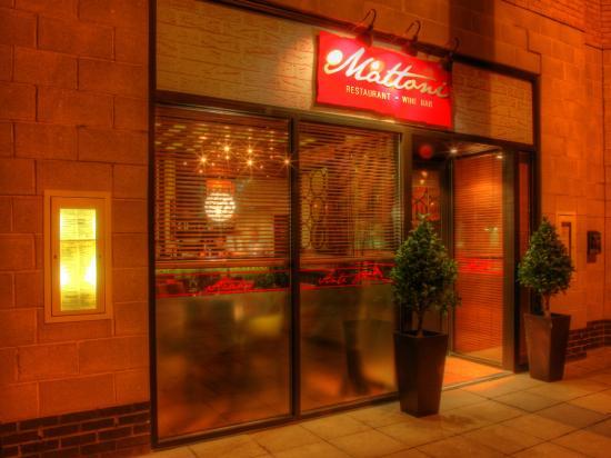 Mattoni Italian Restaurant: Entarnce