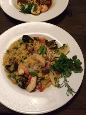 Hermann's European Cafe: Paella