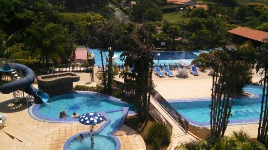 Braston Hotel Indaiatuba : Vista geral das piscinas