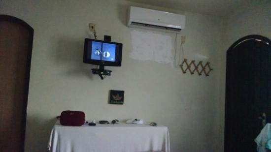 Pousada vivenda das Bromelias : Tv