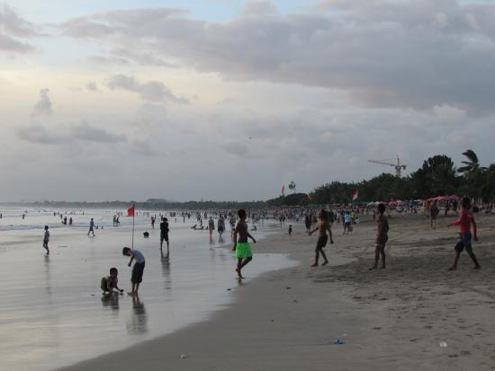 Kuta Beach - Bali: Un peu trop de monde a mon goût