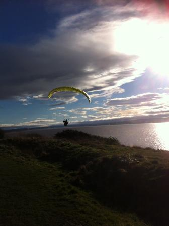 Wirral Country Park: Paragliding