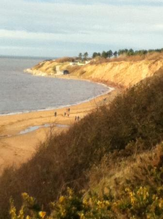 Wirral Country Park: Lovely sandy beach