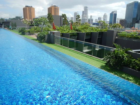 dachterrasse mit pool picture of holiday inn express singapore clarke quay singapore. Black Bedroom Furniture Sets. Home Design Ideas