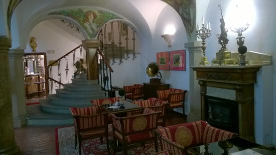 Hotel Royal Ricc: Hotel lobby